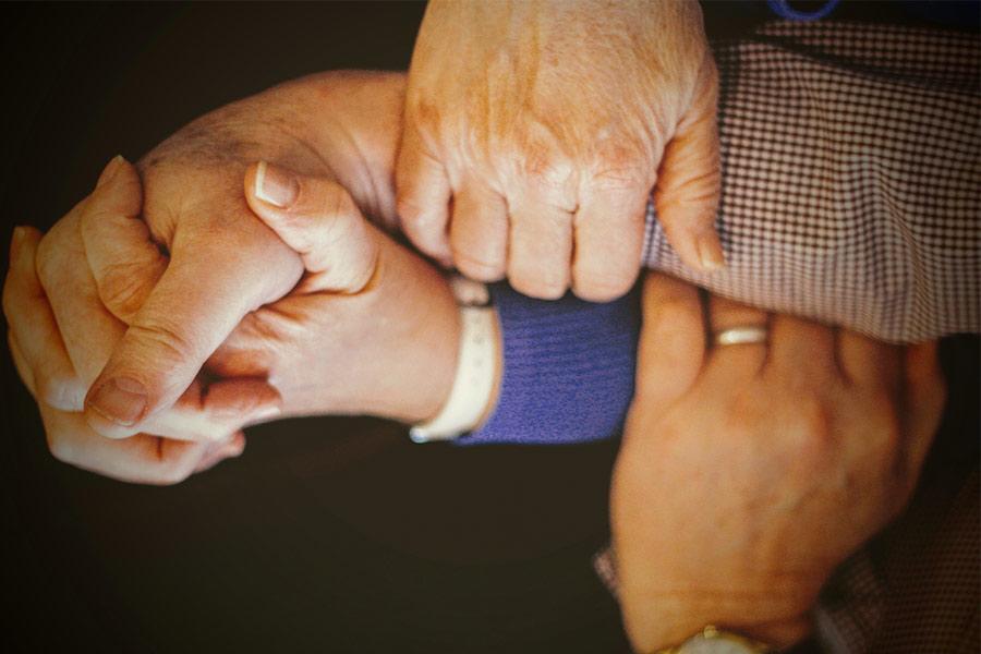اعتماد و صمیمیت در فرزندان خانواده